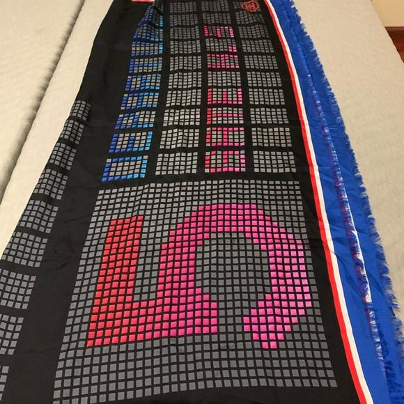 Chanel no.5 scarf shoulder wrap shawl black pink